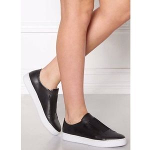 NWOB Sixty seven Black Loafers Sneakers Size 37